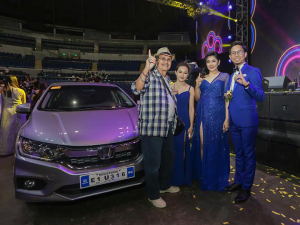 Mr. Carlo Boyero with President Allen Marvin Yu Eder, Vice President Aika Uy and General Manager Joanna Mañego.