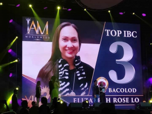Ms. Elizabeth Rose Lo accepts the award for IAM Worldwide Bacolod Business Center during the 2nd Anniversary Vic2ry event held last March 31, 2019 at the Smart Araneta Coliseum. We are a Top 3 IBC. Congrats to all of us!